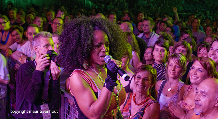 Sfeer tijdens optreden Leela James Gent Jazz 2009.