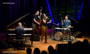 cd presentatie Simin Tander in Bimhuis dd 20-3-2014