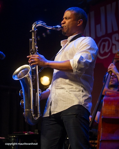 David Sanchez live in Mijke en Co Live. Copyright Maurits van Hout