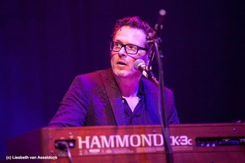 Sven Hammond tijdens het Tribute to Ray Charles