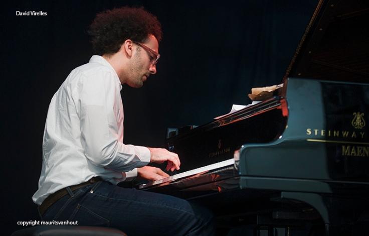 David Virelles trad tijdens Gent Jazz meerdere malen op in de Garden Stage met zijn Project  Mboko