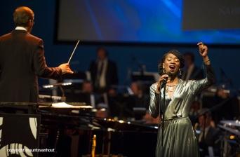 Rotterdam, 24 juni 2016 Uitreiking Edison Awards in Nieuwe Luxor Theater.Foto: Sabrina Starke was genomineerd en trad op.