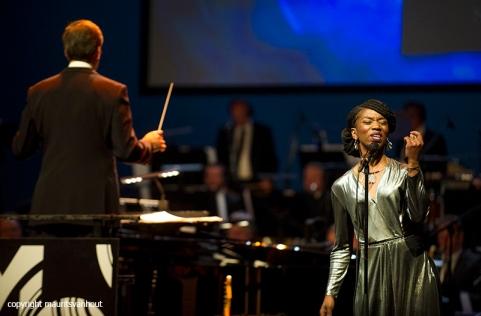 Rotterdam, 24 juni 2016 Uitreiking Edison Awards in Nieuwe Luxor Theater. Foto: genomineerde Sabrina Starke trad op.