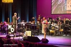 Rotterdam, 24 juni 2016 Uitreiking Edison Awards in Nieuwe Luxor Theater. Foto: Cécile McLorin Salvant treedt op met het Metropole Orkest.