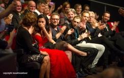 Rotterdam, 24 juni 2016 Uitreiking Edison Awards in Nieuwe Luxor Theater. foto: grote vreugde bij Karsu als ze de publieksprijs wint..