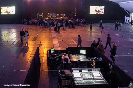 Jill Scott live op Gent Jazz 2016,Photo: public entering the main tent before the concert..