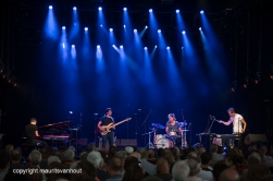 Antwerpen, 12 augustus 2016, Pascal Schumacher treedt op met diverse muzikanten tijdens het jaarlijkse Jazz Middelheim in Antwerpen.