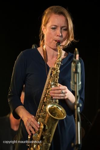 Antwerpen, 14 augustus 2016. Tijdens het jaarlijkse Jazz Middelheim Festival treedt Tutu Puoane op. Ze speelt met een groot aantal bekende Nederlandse jazzartiesten. Foto: Tineke Postma