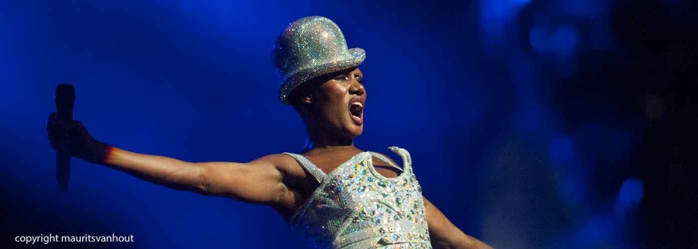 Grace Jones live in Vredenburg Utrecht 2010. 6 juli 2017 live at gent jazz.