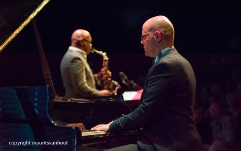 Amsterdam, 25 mei 2017. Trio Vein trad op in het Bimhuis in Amsterdam. Foto: Michael Arbenz, op de achtergrond Greg osby