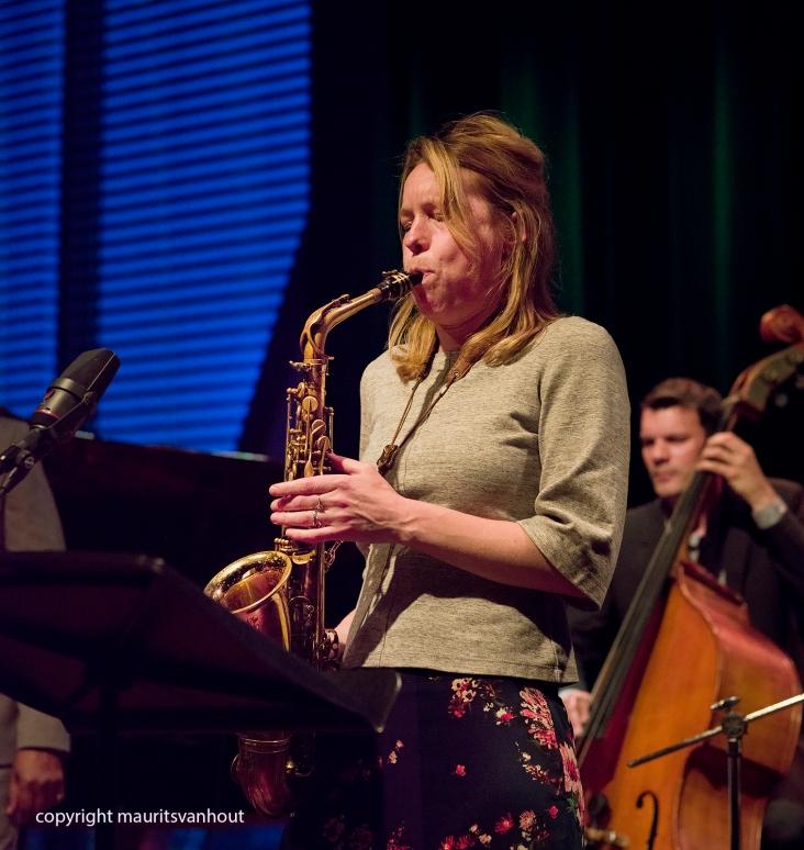 Amsterdam, 25 mei 2017. Trio Vein trad op in het Bimhuis in Amsterdam. Foto: Speciale gast Tineke Postma