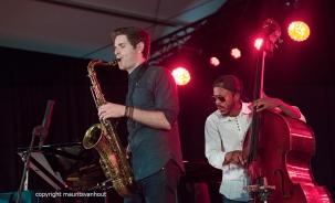 Gent, 7 juli 2017. Tijdens het jaarlijkse Gent Jazz festival treedt Ben Wendel Group op. foto: Ben Wendel en bassist Joe Sanders