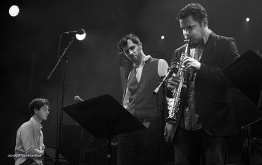 Gent, 7 juli 2017. Foto: Tijdens het jaarlijkse Gent Jazz festival treedt French Quarter op. Foto: (vlnr) Thomas Enhco, Hugh Coltman en Baptiste Herbin.