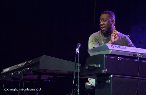 Robert Glasper experiment live at gent jazz 2017