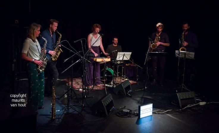 Spoken Saxophone Quartet gefotografeerd door fotograaf maurits  van hout