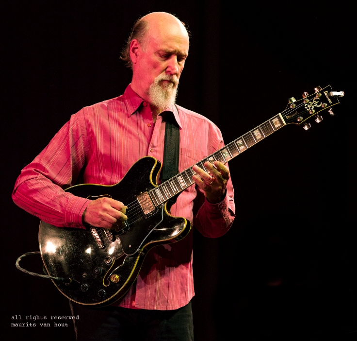 John Scofield (hudson) by jazzphotographer maurits van hout