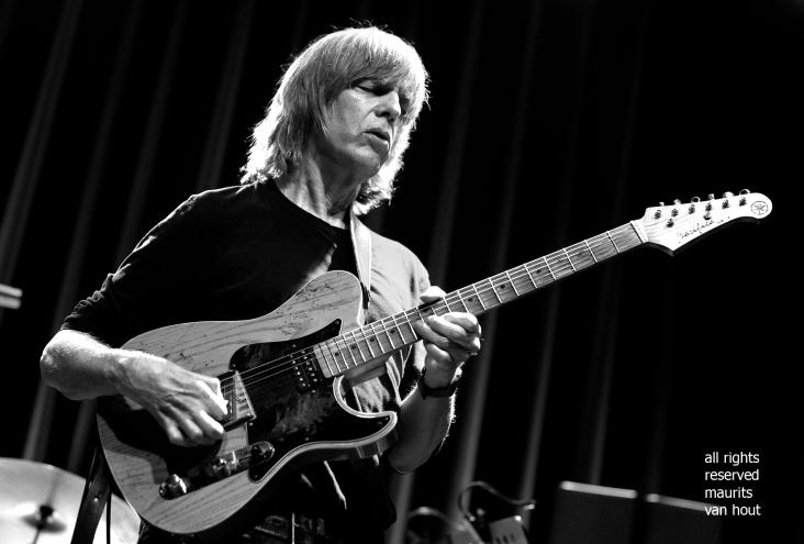 Den Haag, 11 november 2018. Mike Stern treedt met band op in het Paard van Troje Den Haag.