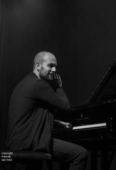 shai maestro trio live at Koorenhuis Den Haag