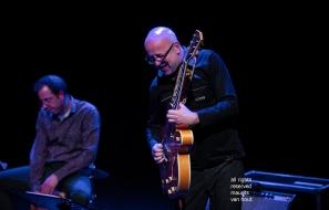 Den Haag, 8 maart 2019. Estafest treedt op in het Koorenhuis in Den Haag. foto: Oene van Geel en Anton Goudsmit (r).
