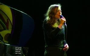 Estafest live in het Koorenhuis in Den Haag. foto; zangeres Sanne Rambags